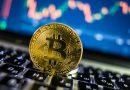 Ночью  цена первой криптовалюты опустилась ниже важной психологической отметки в $10 000, однако продавцам не удалось там закрепиться. Совокупный суточный объем торгов биткоином, по данным Bitwise Asset Management, составил $2,47 млрд.